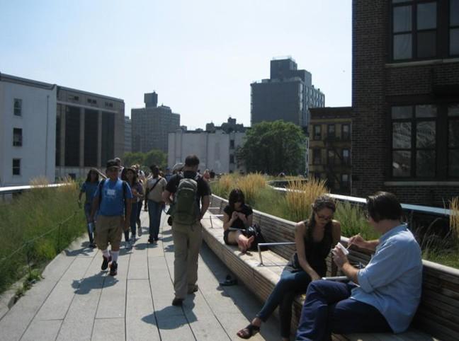 Identité et aménagement des espaces urbains : quel rôle possible des études ?